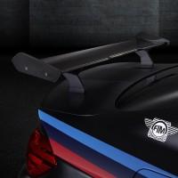 BMW_M4_SafetyCar_2015_Schwarz_Detail_A4