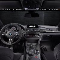 BMW_M4_SafetyCar_2015_Schwarz_Innen_A4